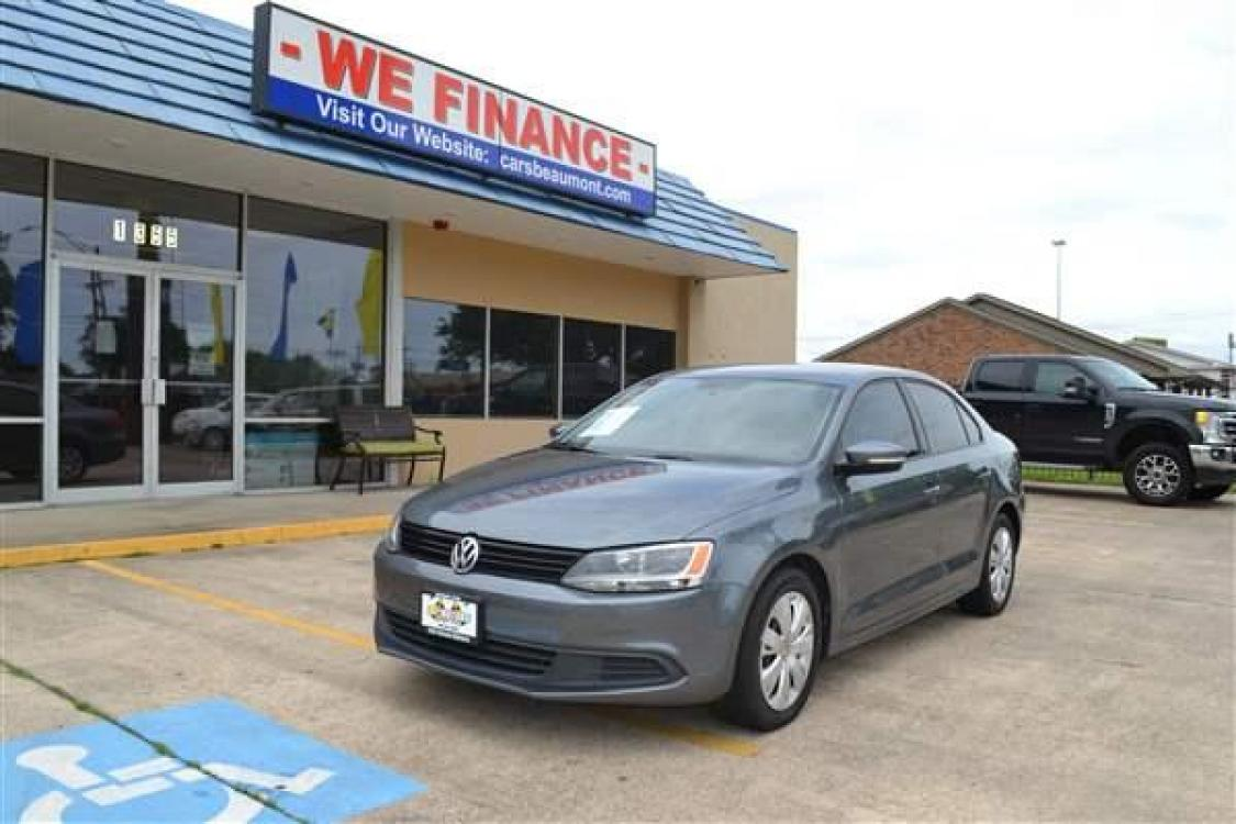 2014 GRAY VOLKSWAGEN JETTA (3VWD17AJ1EM) with an L4, 1.8L; DOHC 16V; TURBO engine, AUTOMATIC transmission, located at 1355 North 11th Street, Beaumont, 77702, (409) 832-0006, 30.094290, -94.130096 - Photo #0
